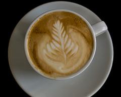 Latte art 2 (Mickas) Tags: coffee milk cappuccino latteart rosetta milkfoam matdryck mänskligating mšnskligating