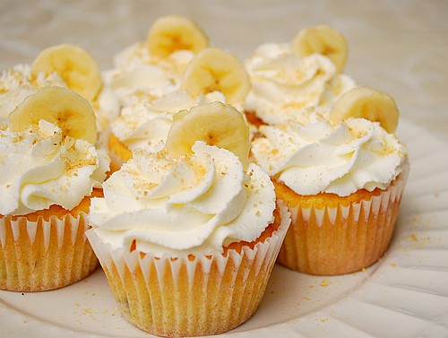 What's Cookin, Chicago: Banana Cream Pie Cupcakes