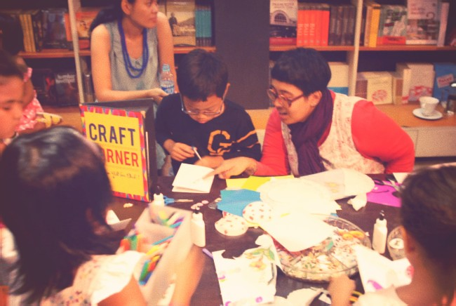 Fun crafting workshop with Ika Vantiani