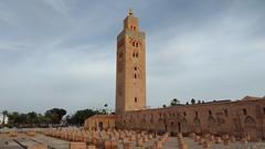 Koutoubia Mosque   Marrakech (=RetroTwin=) Tags: koutoubia mosque marrakesch marrakech morocco marokko 2017 retrotwin lostillusion75 februar moschee medina minarett marrakeschtensiftel haouz building ancient house axon 7 zte maroc travel reise