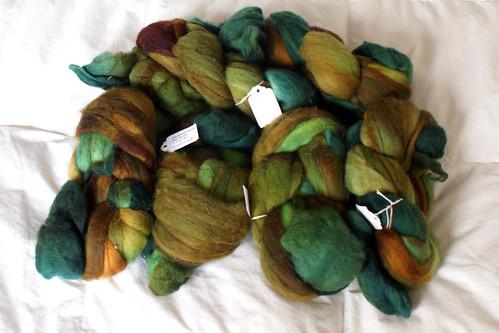 Rhinebeck Fiber: Cloverleaf farm hand dyed merino combed top
