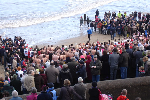 Boxing Day dip 2009 (3)