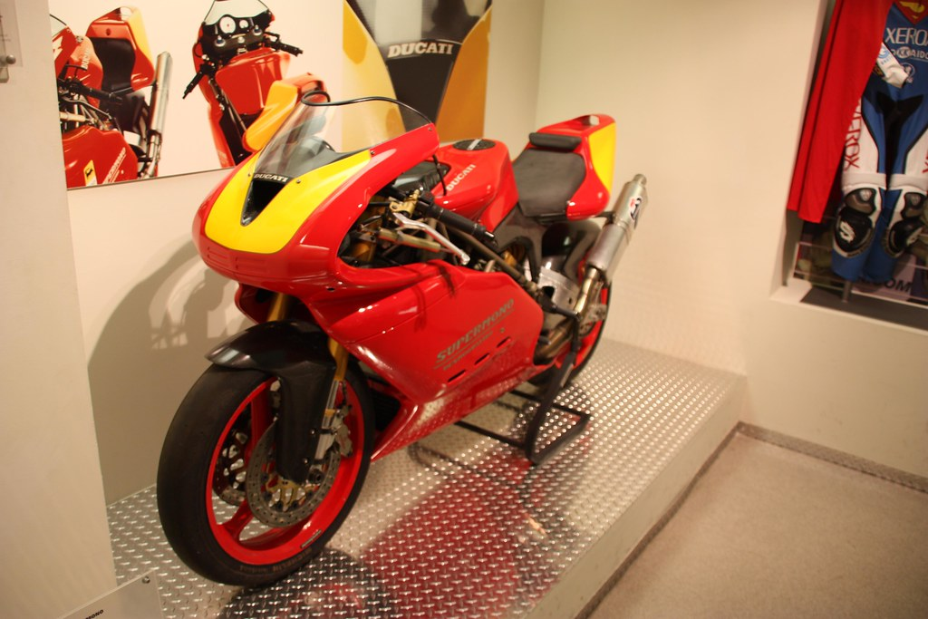 Ducati Supermono - Page 2 4334578576_03f12345ce_b