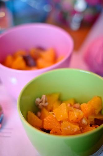 Apelsinsallad med valnötter och mörk choklad:-)