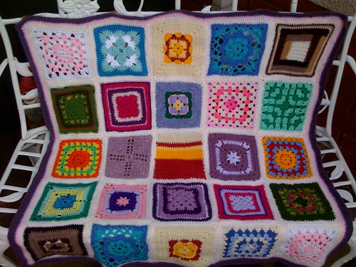 Beautiful coloured Squares make up a Blanket for the Elderly. My project for 2010. Do you want to help me? Please visit suesfavouritethings.blogspot.com