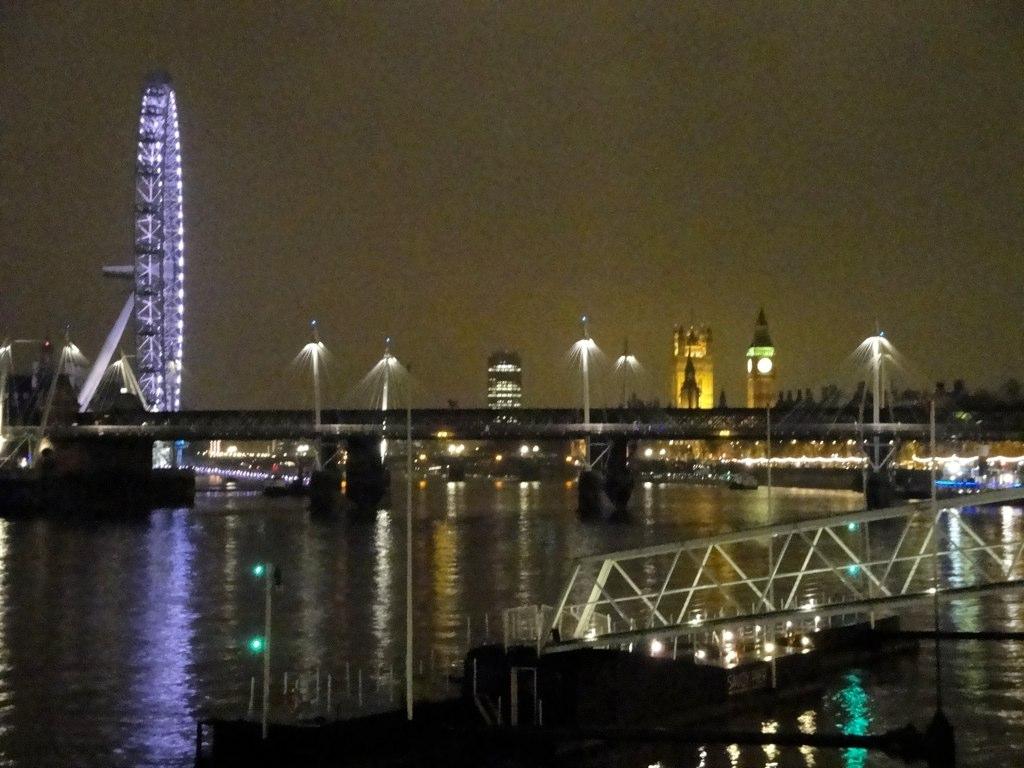 LONDON - 326