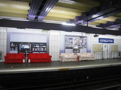 Salons IKEA dans le métro