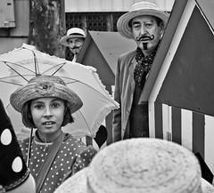 Figures gomtriques. (vinsurvain / Pascal Pessato) Tags: chapeau carnaval parapluie gomtrique