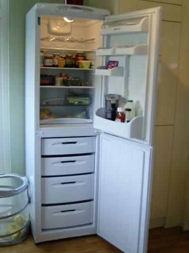 Hotpoint FFA97 Fridge Freezer