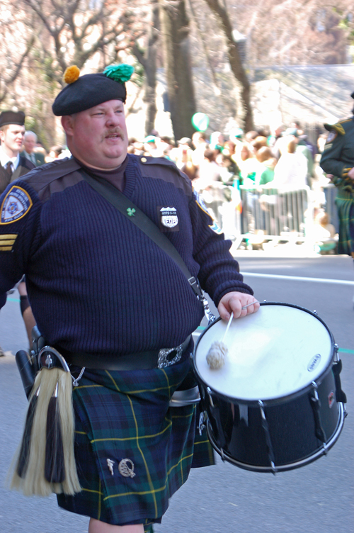 4police-drummer-w_belly!.jpg