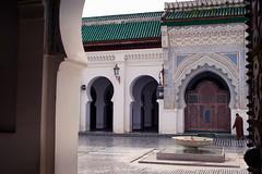Djemaa el Kairaouine (QXZ) Tags: africa travel digital islam mosque morocco fez maghreb medina fs fselbali kairaouine pentaxk100d qarawiyin qarawiyyin karaouine kairouyine qairawiyin qaraouyine quarawin qaraouiyn quaraouiyine