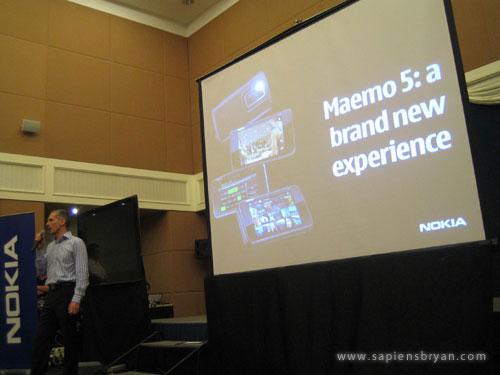 Nokia N900 introduction by Vlasta Berka, Nokia General Manager
