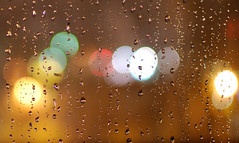 Lonly rainy Nights ! (Nas t) Tags: colors rain night 35mm drops bokeh nights f18 raining lonly