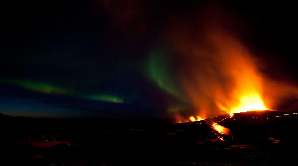 Nordlys og vulkanudbrud på Island