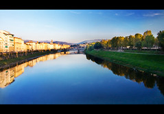 Sunset on the Arno (Pat Kilkenny) Tags: italy florence firenze arno 2009 canon40d patkilkenny