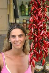 Tropea - Calabria - Peperoncini (Cristian De Bortoli) Tags: rosso mercato peperoncini calabria ragazza tropea