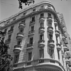 Balcones (Gabo Barreto) Tags: bw building 120 6x6 film argentina buenosaires edificio d76 iso 400 lubitel balconies hp5 palermo ilford gabo balcones barreto russiancamera 166b gabobarreto