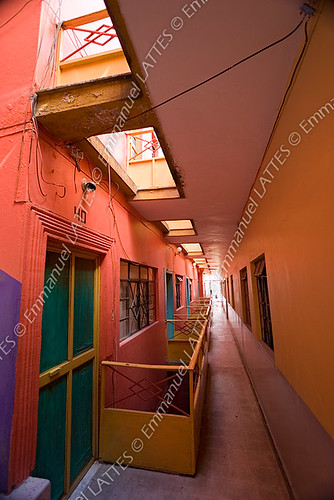 Couloir d'un hôtel de Guanajuato (Mexique).