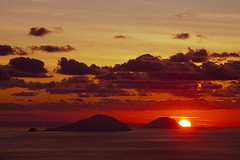 stromboli_e3842m (volcanodiscovery) Tags: sunset sky italy islands colorful stromboli eolian