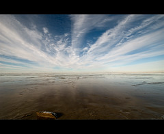 Is the World really flat? (Danil) Tags: sky seascape holland reflection water netherlands germany landscape march nikon daniel nederland natuur dollar lowtide delfzijl wad duitsland landschap 2010 ijs reflectie emden d300 reiderland getijde wolkenlucht dyksterhusen landkreisleer pogum verlatenboorplatform