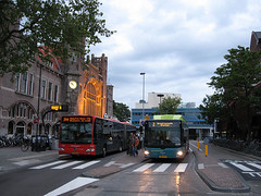 bus rapid transit in Amsterdam (by: Daniel Sparing, creative  commons license)
