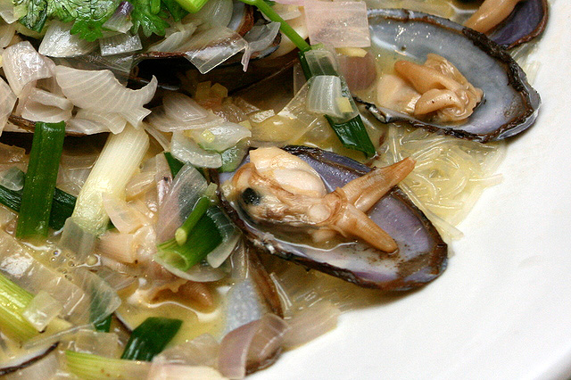 Blanched Live Clams in Superior Stock