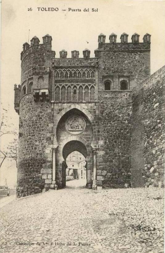 Puerta del Sol a comienzos del siglo XX. Viuda de Peláez