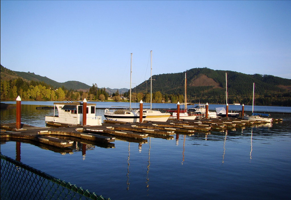 DSC06119 Lake Dexter marina