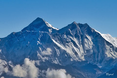 Mount Everest (29035 ft./8850 m, officlal height in '99) (Byrd on a Wire) Tags: nepal everest himalayas nuptse lotse changtse khumbutse