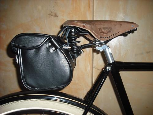 Brooks Millbrook Holdall Saddle Bag Lfgss