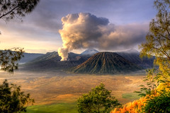 Mount. Bromo - Volcano on Christmas Day 2009 (Mio Cade) Tags: christmas indonesia landscape java asia december east 25th 2009 bromo