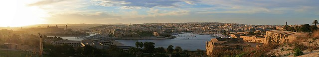 Big panorama from Hastings Garden, Valletta