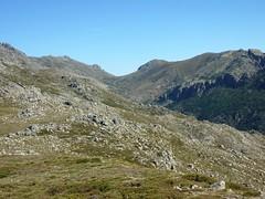 Sommet de la butte 1586 m : col d'Asinao