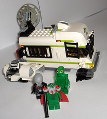 Lego Space police 3 Camper getaway vehicle (Adam Gaterell Arts (plus Lego)) Tags: conversion lego getaway space police future van camper hover hovercar spacepolice3