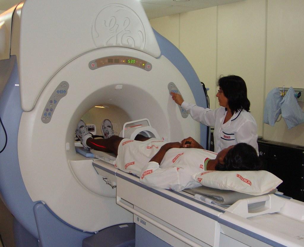 Ronan realizou ressonância magnética em Santa Cruz. Crédito: Divulgação