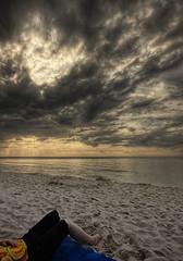[Stilo] Plaa nad otwartym morzem (m4rc1no5) Tags: sunset sea summer sun beach clouds canon sigma poland polska baltic soce 10mm stilo morze batyk chmury lato plaa sigma1020 450d smsls