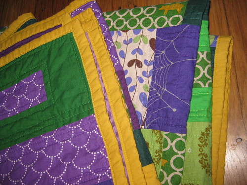 green violet quilt detail binding