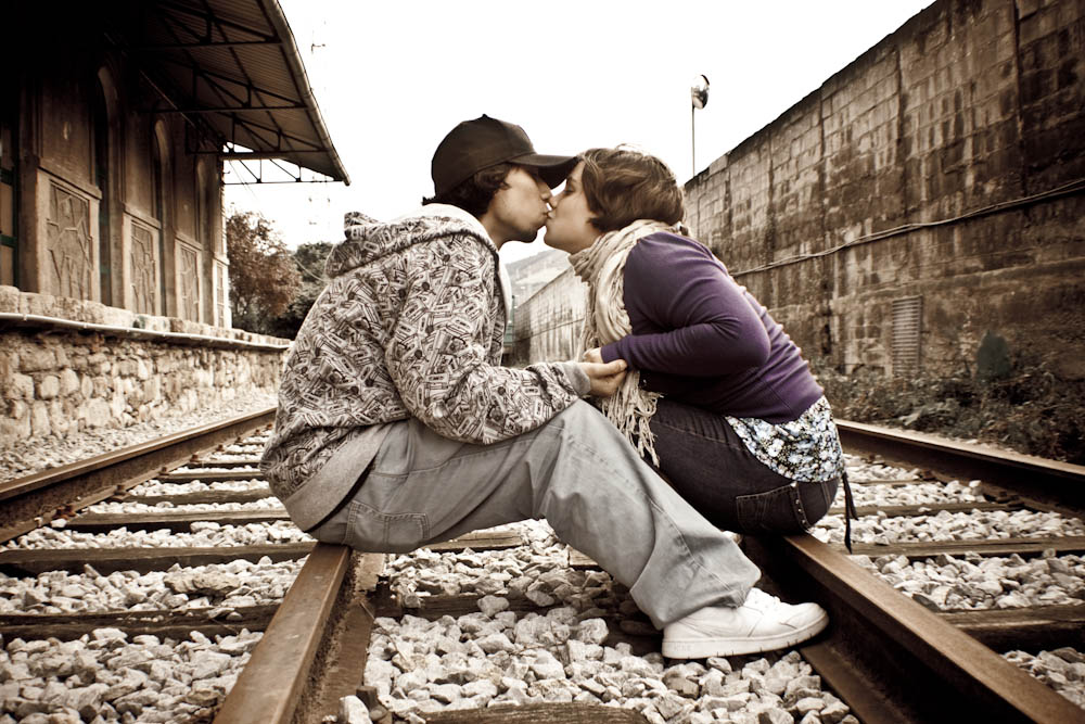 Kiss On Tracks