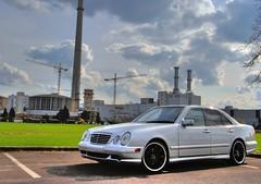 W210 (austrianpsycho) Tags: w210 auto car e eclass eklasse limousine mercedes mercedesbenz pkw sedan erichs pergers avantgarde silber silver lorinser turbinenfelgen felgen rims amg e55