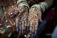 Henna for my love... (raytech_98) Tags: wedding 50mm hands nikon ray f14 indian culture sigma jewellery anil henna mehendi hindu bangles sheetal weddingphotography raipur debabrata d700