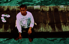 (yesy belajar memotrek) Tags: bridge bali port indonesia fishing flipflop padangbai bapak