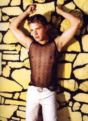 Ryan_Phillippe_armpits