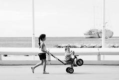 a punto de despegar (quino para los amigos) Tags: trip france bike ship brothers cannes sister tricycle playa moto willie francia hermanos willy valentinorossi hnos tricilo
