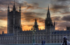 London, Westminster Abbey (klaash63) Tags: uk sunset sky cloud building london church abbey westminsterabbey twilight zonsondergang photographer wolken gb lucht kerk hdr hdri gebouw londen fotograaf schemer heiligenberg photomatix tonemapping tonemap klaasheiligenberg klaash63 klaash
