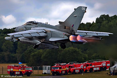 RAF Panavia Tornado  RIAT 2009 (xnir) Tags: tattoo canon photography eos israel is photographer aviation air royal international tornado 2009 raf nir  panavia 100400l benyosef 100400 50d xnir nirbenyosef  photoxnirgmailcom