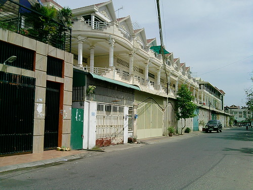 modern khmer house