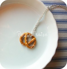 Pretzel necklace - fimo polymer clay (*Merylu*  PetiteFraise) Tags: food bread handicraft necklace junk handmade craft jewelry jewellery fimo clay german pretzel petite fraise polymer collana petitefraise merylu