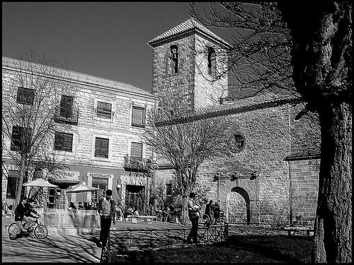 5.- Ocio en la plazuela de San Pedro...