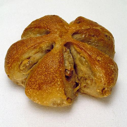 くるみパン walnut bread (Anima...