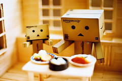 Danbo family (C.L.I.W) Tags: wood windows food house film kitchen japan dinner table toy robot diy meat meal nikonfm2 公仔 danbo nikkor50mmf14ais hungre solaris400 danboard 阿愣 阿楞 amazoncomjp